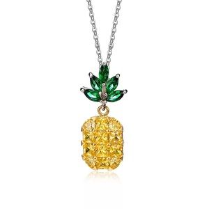 Jewelry - Stunning pineapple necklace
